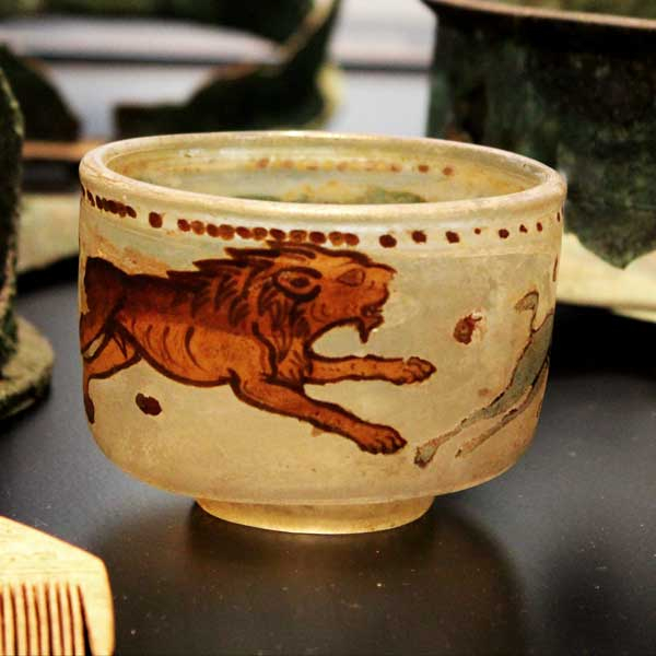 Romersk glas år 100